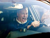 Agresyvus vairavimas: nenaudingas, bet kartais natūralus