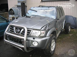Nissan Patrol GR II Y61  Visureigis