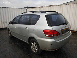 Toyota Avensis Verso, 2001m.