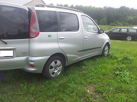 Toyota Yaris Verso, 2001y.