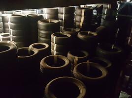 Bridgestone Blizzak LM-25 apie 6 R16