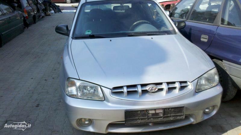 Hyundai Accent, 2001m.