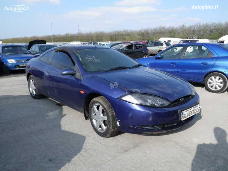 Ford Cougar Automatas 2,5, 2000m.