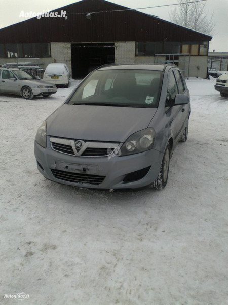Opel Zafira B, 2009m.