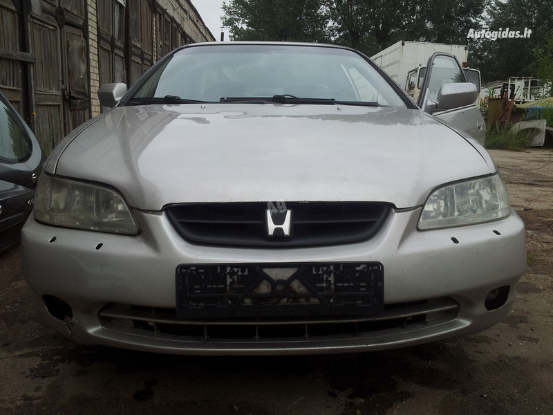 Honda Accord VI, 2000m.