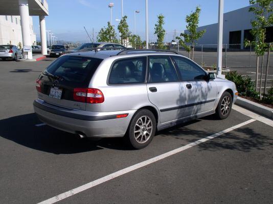 Volvo V40 I 85 kw, 2002m.