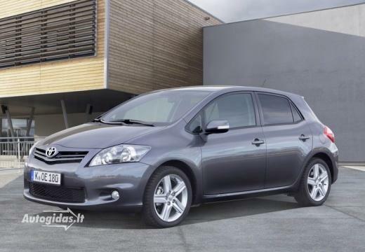Toyota Auris 2011-2012