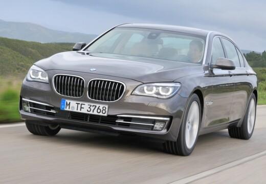 BMW 750 2012-2015