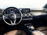 "Atskleistas naujo A klasės ""Mercedes-Benz"" interjeras foto 2"