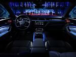 """""""Audi"""" atskleidė """"Audi e-tron"""" elektromobilio salono išvaizdą ir technologijas foto 2"""