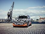 """""""Audi"""" atskleidė """"Audi e-tron"""" elektromobilio salono išvaizdą ir technologijas foto 5"""