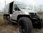 """Iš paprasto furgono rusai sukūrė bekelės monstrą - kaip """"Gazelle Next"""" virto įspūdingu visureigiu foto 2"""