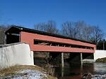 Pasaulyje vis dar yra gražiųjų dengtų tiltų, bet kodėl jie turi sienas ir stogus? foto 3
