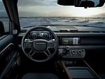 """Frankfurto automobilių parodoje pirmą kartą parodytas naujos kartos """"Land Rover Defender"""": pati tvirčiausią koncerno istorijoje važiuoklė - net tris kartus atsparesnė sukimui nei tradicinė rėminė foto 2"""