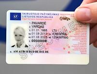 100 tūkst. lietuvių nebeturi galiojančių vairuotojo pažymėjimų
