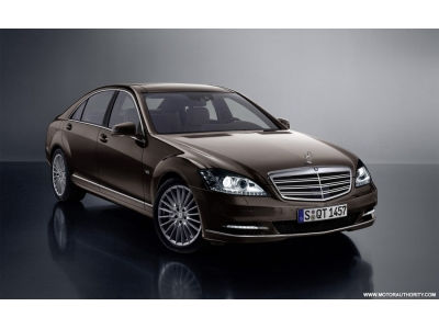 "S klasės ""Mercedes-Benz"": teršėjas palinko į ekologiją"