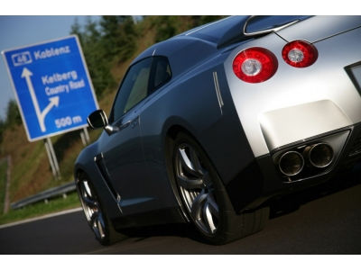 Hennessey Nissan GT-R iki 100 per 2.8s! VIDEO.