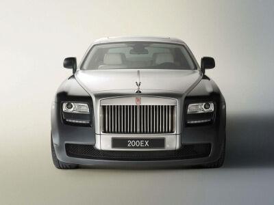 """""""Rolls-Royce Ghost"""" - piguma pagal aukštuomenę"""