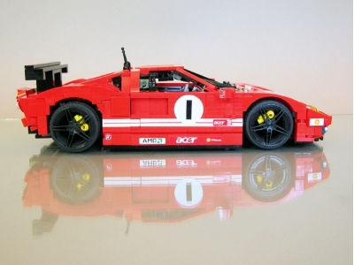 Atgal į vaikystę. Ferrari iš Lego kaladėlių.