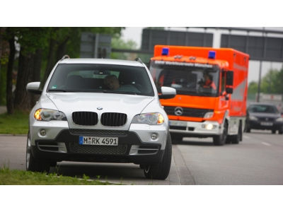 """Nauja BMW sistema – """"avarinio sustojimo asistentas"""""""
