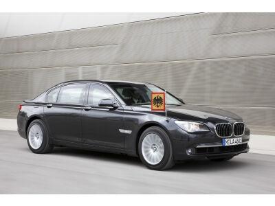 Naujas maksimalaus saugumo vardas – BMW 7 serija
