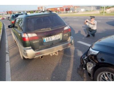 Kokias klaidas vairuotojai daro įvykus avarijai?