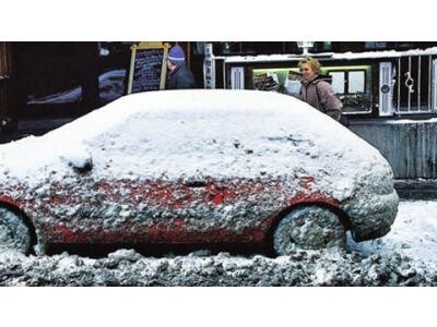 Kaip sniegas ir ledas kenkia automobiliui