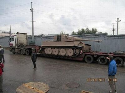 Rankomis surinkta Tiger VI tanko kopija