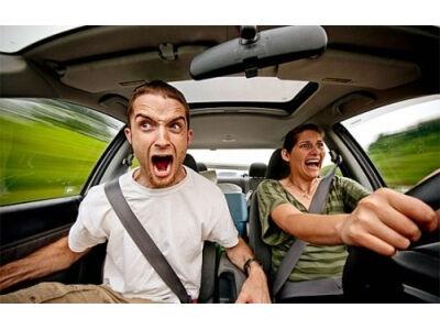 Tėčiais už vairo pasitikima labiau nei sutuoktiniais