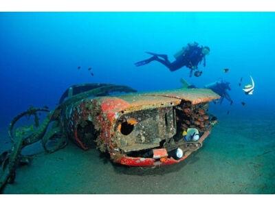 Automobiliai po vandeniu