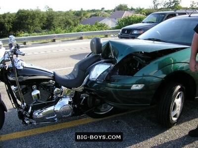 Kas ką provokuoja – motociklininkai ar automobilininkai?