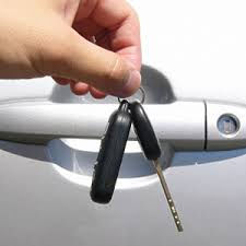 Vairuotojai nenoriai skolina savo automobilius kitiems