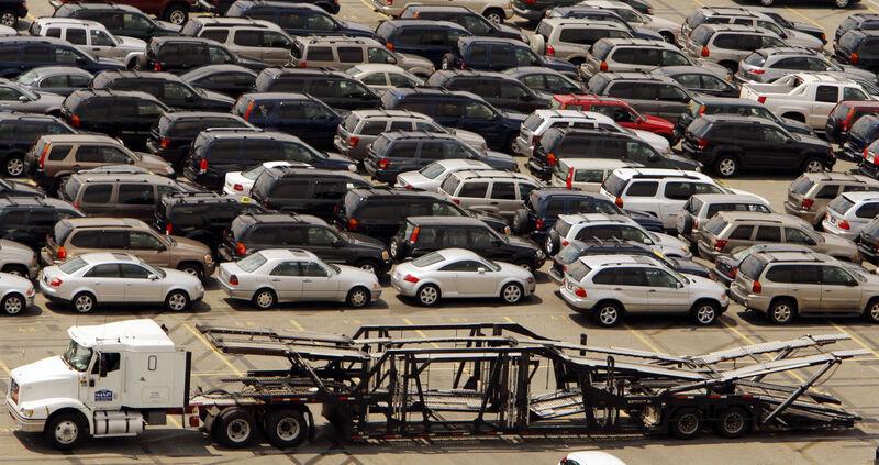 Ar skolintumėtės pinigų automobiliui įsigyti?