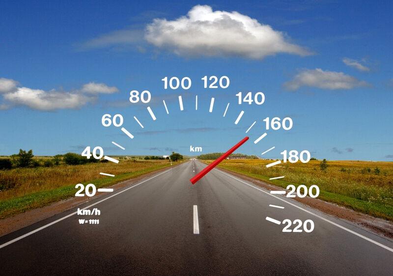 Kas penktas vairuotojas yra lėkęs didesniu nei 200 km/val. greičiu