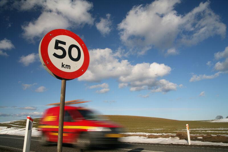 Kodėl leistinas greitis nėra didesnis?