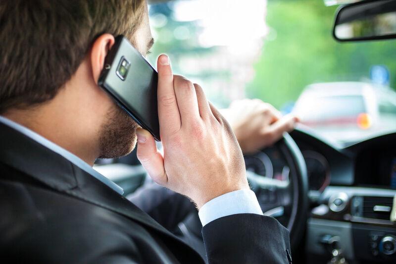 Telefono prie vairo žala – reklamose