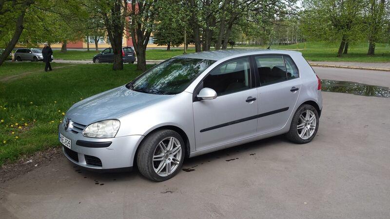 Nebrangūs, bet patikimi: kokių automobilių ieško lietuviai?