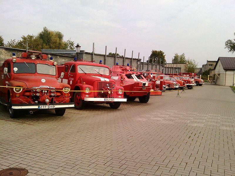 Kodėl ugniagesių sunkvežimiai visame pasaulyje yra raudoni? Atsakymas į šį klausimą nustebins ne vieną