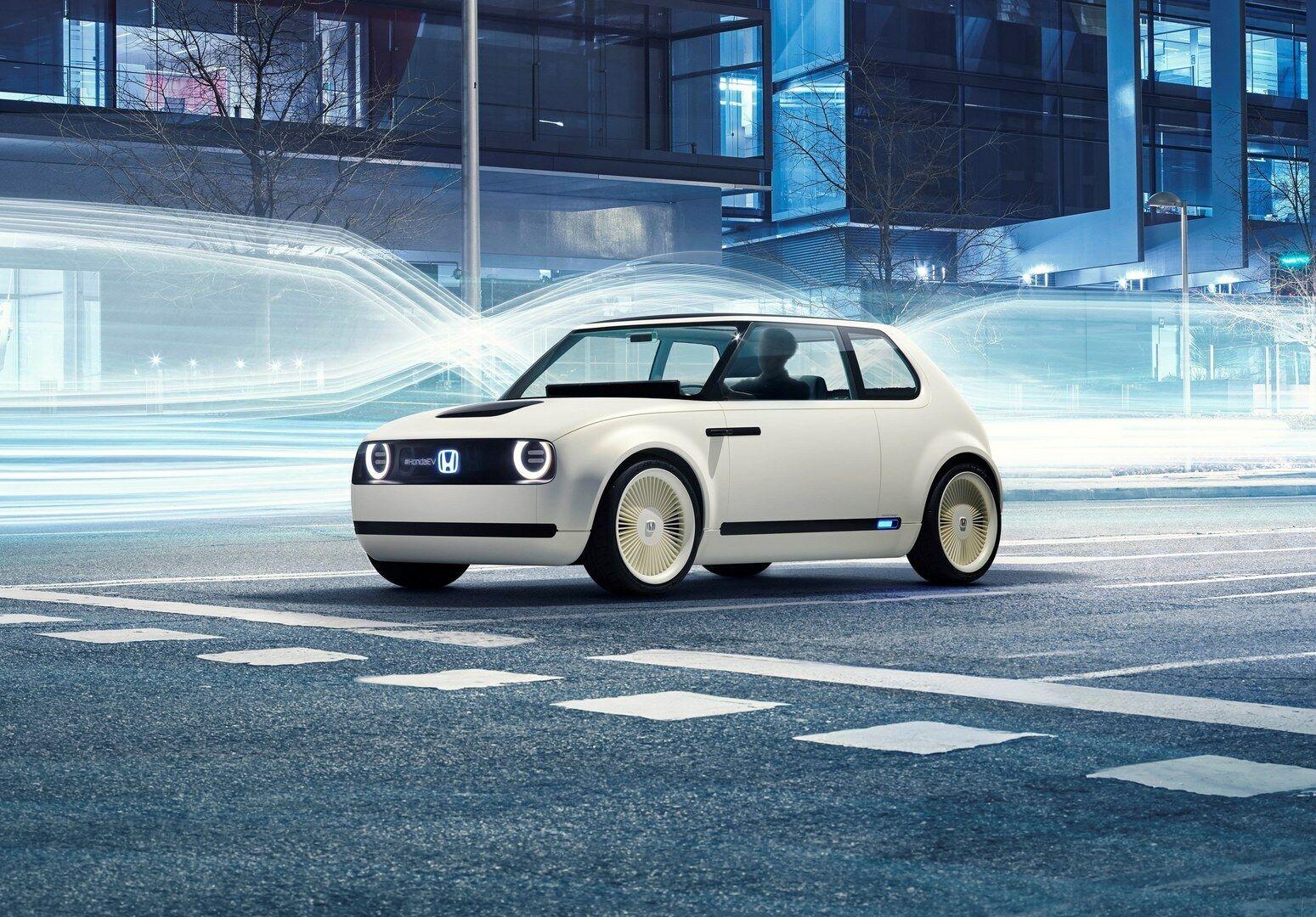 """Pastebėtas bandomas """"Urban EV"""" - prototipas nedaug skiriasi nuo koncepcinio automobilio"""