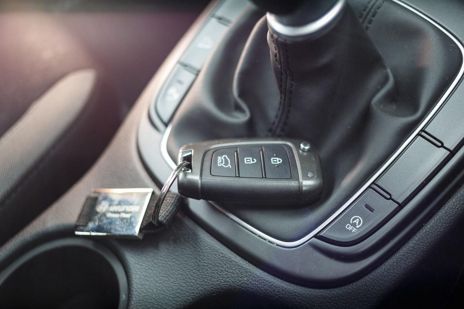 Kokius automobilius vagys pagrobia lengviausiai? Pabandė įsilaužti į beraktės atrakinimo sistemos automobilius: iš 237 automobilių – tik 3 neįveikiami
