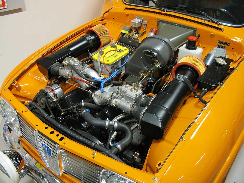 Kodėl V4 varikliai automobiliuose tokie reti? Juk jie iš tikrųjų turi daug privalumų