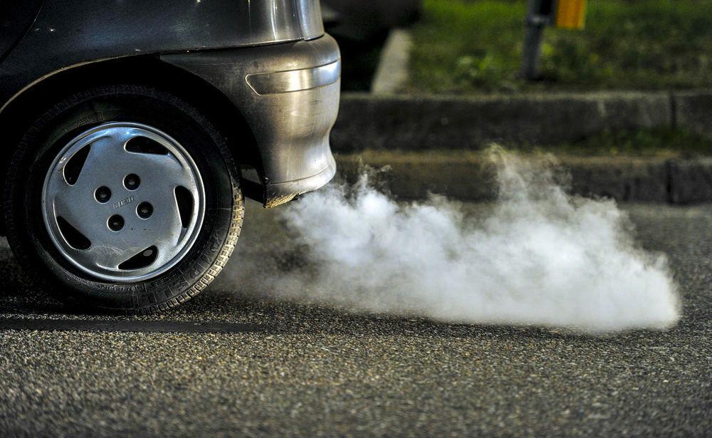 Aplinkos ministerija planuoja skirti apie 30 mln. eurų išmokoms už taršių automobilių atsisakymą
