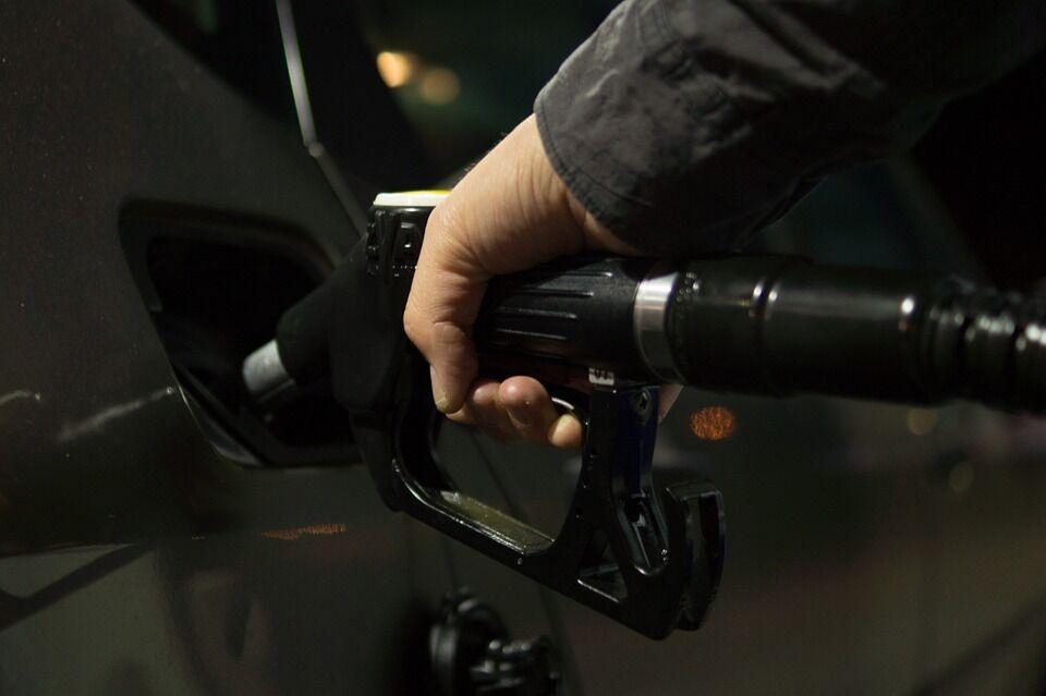 Seimas nusprendė: nuo 2020 metų Lietuvos vairuotojams teks pratintis prie kitokio benzino