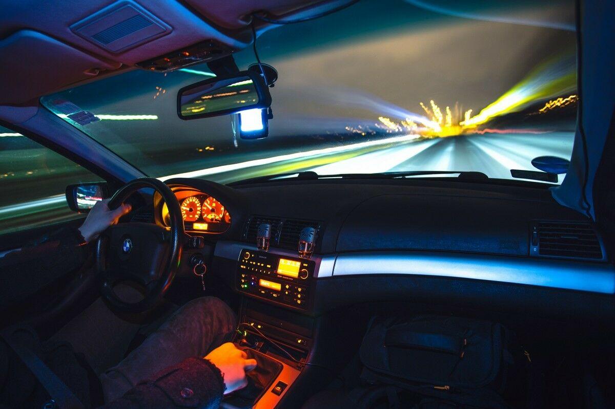 Policija įspėjo važinėjančius garsiai: vairuotojų laukia nauji patikrinimai, o pažeidėjams naikins techninę apžiūrą