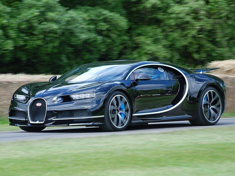 """5 stebinantys dalykai, kurių negali daryti """"Bugatti Chiron"""" savininkai - brangus automobilis, o laisvės tiek nedaug"""