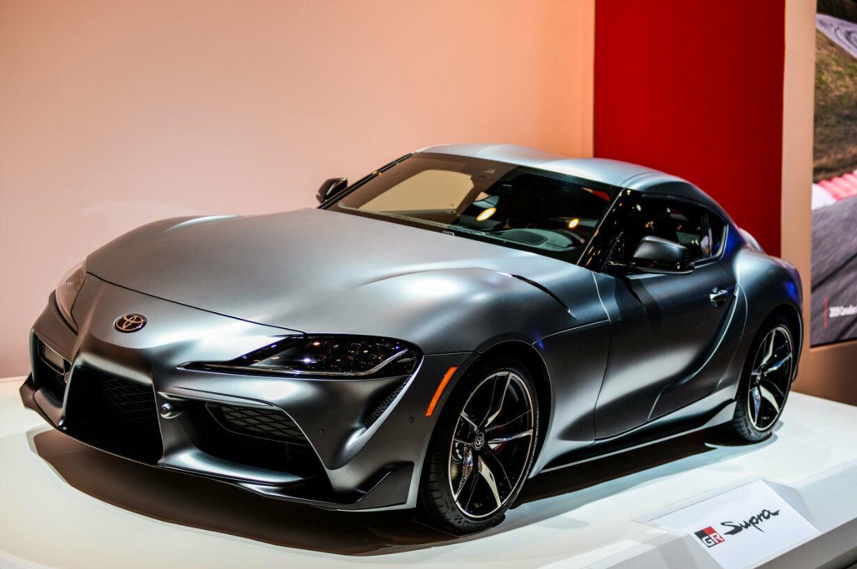 """""""Toyota Supra"""" turi daugiau galios nei žadėta - ką tokio sugalvojo """"Toyota"""" ir kodėl testai atrodo geriau nei realybė?"""