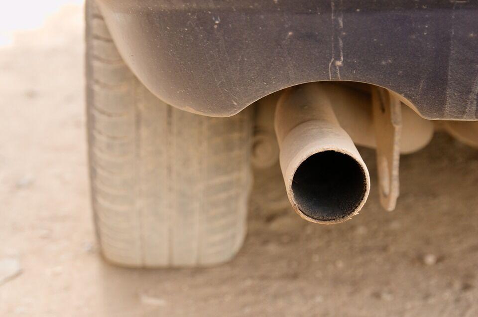 Paskaičiavo, kiek automobilių taršos mokestis papildytų šalies biudžetą - planuojamos milijoninės sumos