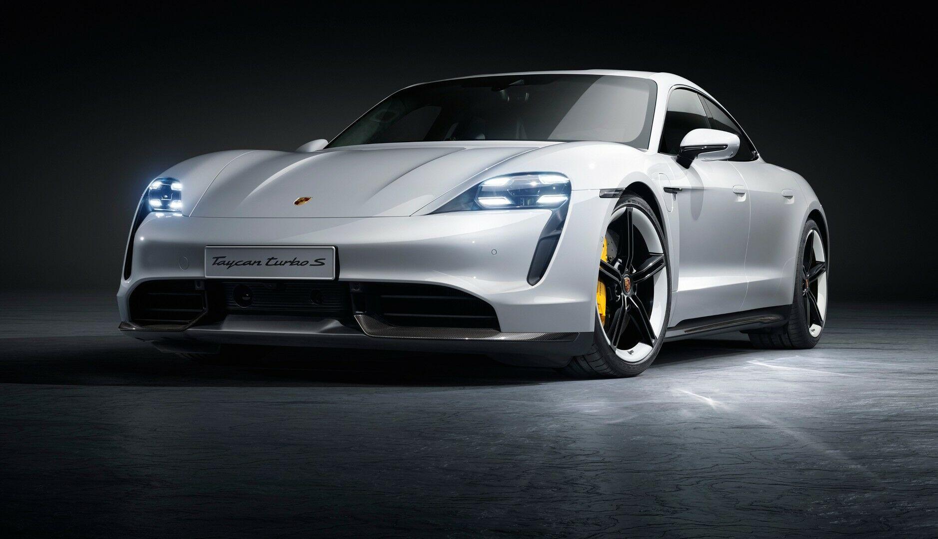 """""""Mes visada būsime kietesni [už Tesla]"""": """"Porsche"""" vadovo mintys apie """"Tesla"""", padėka Elonui ir kodėl nesulauksime elektrinio """"911"""", bet hibrido – galbūt"""
