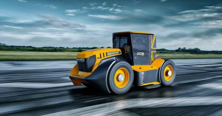 """Virš 1000 AG galia ir toks greitis, kad stabdymui inžinieriai net įrengė parašiutą – naujasis """"Fastrack Two"""" traktorius lengvai sudaužė greičio rekordą ir pateko į Guinnesso rekordų knygą"""