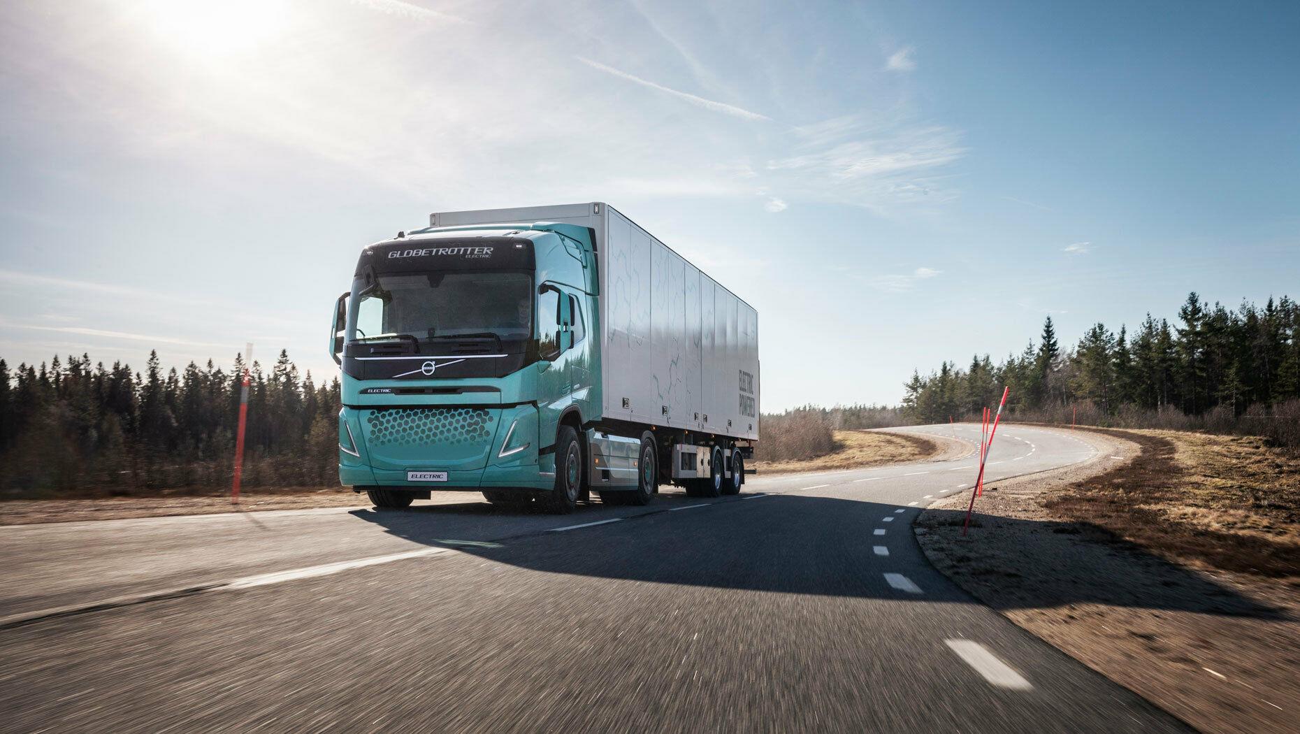 """""""Volvo Trucks"""" sukūrė pirmuosius elektra varomus sunkiasvorius sunkvežimius - artėja dar viena transporto revoliucija?"""